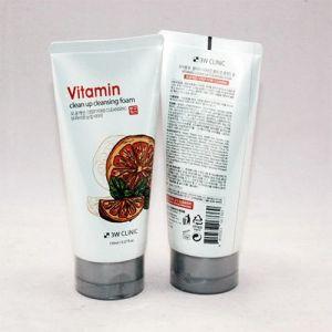 Витаминная пенка для умывания 3W Clinic Vitamin Clean Up Cleansing Foam 150 мл